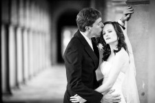 Bridal photos kiss at UWA