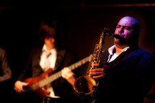 Troy roberts playing sax at the Ellington jazz club perth